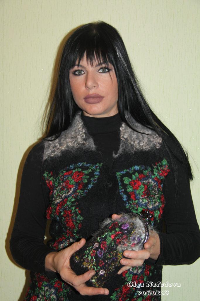 Валяный кошелек-очешник, расшитый бисером, с фемуаром
